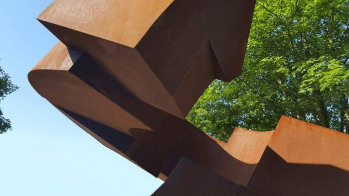 Existence -Just a loop in time, Corten steel 2016, H 4,5 m, Nordart Germany 2016